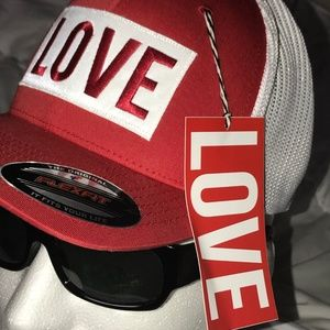 LOVE THE HAT Accessories - WHITE RED ❤️LOVE THE HAT ❤️ VIP LIMITED EDITION
